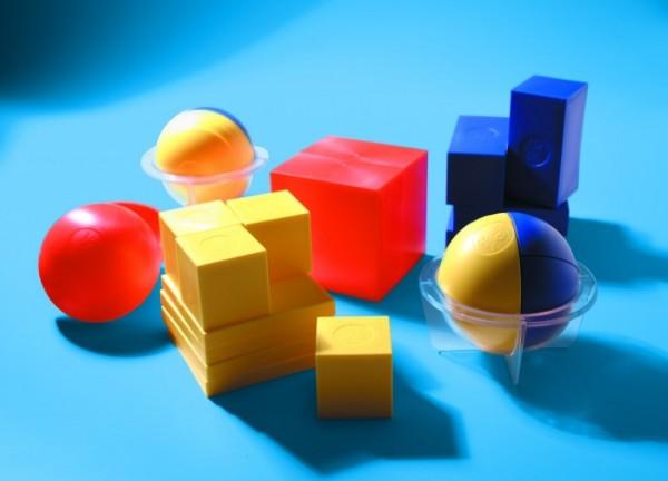 Cubes et sphères à composer