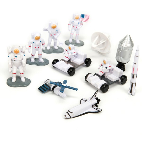 Small World Lunar Space Characters 11pcs